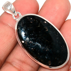 Nuummite 925 Sterling Silver Pendant  Jewelry NUMP202