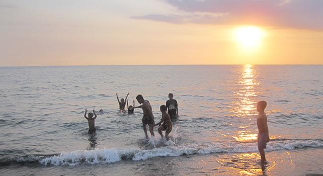 family-beach-1.jpg
