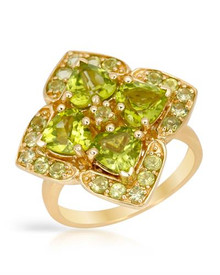 Yellow Gold Ring With 4.45ctw Peridot