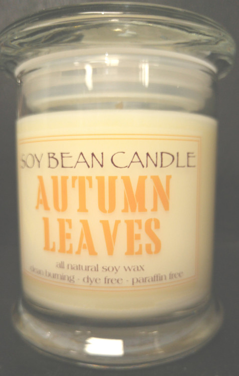 Warm earthy patchouli is combined with wood notes, sweet dried fruits, grated spices of clove and cinnamon and light top notes of mandarin and berry creating a luscious autumn aroma.
