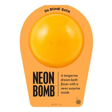 Watch carefully as this tangerine dream fizzer dissolves, because there's a neon surprise inside. Perfect for adults and kids alike. (Everyone loves surprises.) Use one bomb per bath. Your bath bomb will arrive in our signature packaging, as shown.  Warning: Small parts. Not for children under 3.