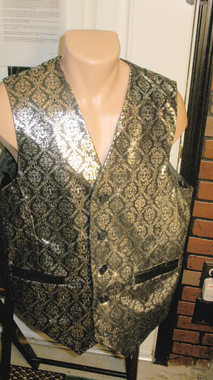 All leather Vest, in a fancy Renaissance Black on Silver leather, fully lined, 3 pocket. Stunning. In size 40, $189