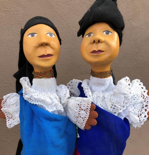 traditional dress of Otavalo women