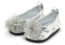 Sequined Dress Shoes with Flower-Silver for Wellie Wishers Dolls