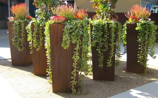 column-corten-planters.jpg