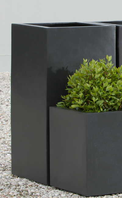 Modular Lite Column Planter in Black