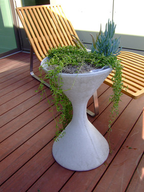 Spindel Planter - Material : Fiber Cement - Finish : Grey