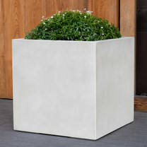 Farnley Planter (fiberglass in ivory finish)