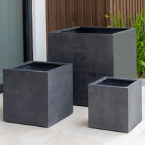 Farnley Planter Set (fiberglass in charcoal finish)
