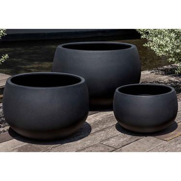 Norfolk Planters (fiberglass in black finish)