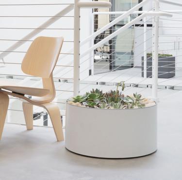 Drum Planter: Aluminum Solo in Landscape - Linen White