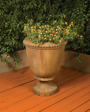 Venetian Planter - Material : GFRC - Finish : Chestnut