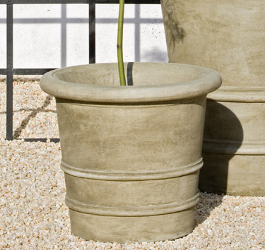 Lucca Planter - Material : Cast Stone - Finish : Verde