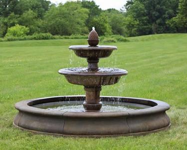 Beaufort Fountain - Material : Cast Stone - Finish : Pietra Vecchia
