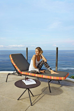 BONO Side Table with BONO Wellness Chair - Powder-Coated Aluminum (black), HPL top (slate)