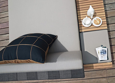 EKKA Long Coffee Table with EKKA Sectional Chaise