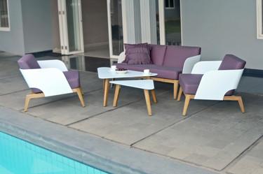 KAAT 1-Seater with Coffee Tables - Powder-Coated Aluminum (white), Plantation Teak (smooth sanded), Sunbrella Canvas (Ibiza)