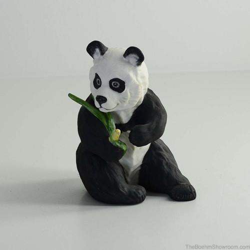 Boehm Panda Seated Hallmark 40237