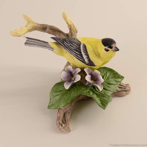 Boehm Goldfinch With Violets Hallmark 40382