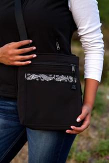 SHOULDER BAG / (Softshell) / Black,  / Salmon-Grey (trim)