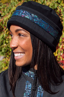 WOMEN'S AURORA HAT / (Softshell) / Raven, Black,  / Totem-Aqua (trim)
