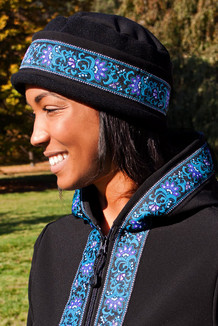 WOMEN'S AURORA HAT / (Softshell) /  Solid  Black,  / Wild Geranium (trim)