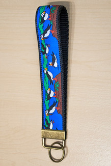WRIST KEY HOLDER / Puffins-Brite trim