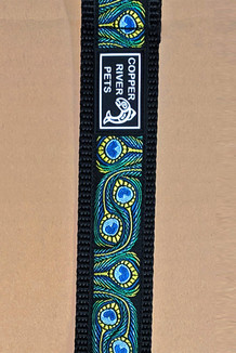 COLLAR / Peacock Feathers Trim