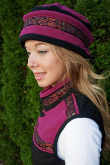 WOMEN'S AURORA HAT / (Windblock Fleece) /  Raspberry,  Black,  / Totem-Orange (trim)