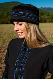 WOMEN'S AURORA HAT / (Softshell) / Solid Black,  / Velvet-Lupine (trim)