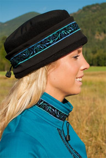 WOMEN'S AURORA HAT / (Softshell) / Solid Black,  / Velvet-Blue (trim)