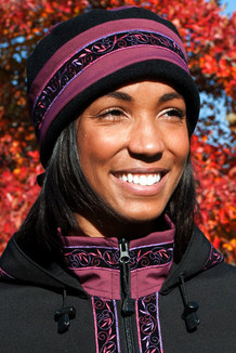 WOMEN'S AURORA HAT / (Softshell) / Plumwine, Black,  / Velvet-Plum (trim)