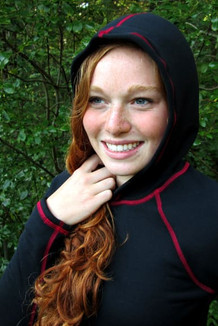 WOMEN'S HOODIE /  Solid Black (Ruby Thread)