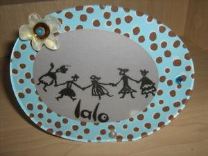 From the Lalo Treasures Lost and Found collection.  Small oval frame made in Bulgaria of durable resin.