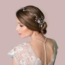 Quarley pearl and crystal hair vine