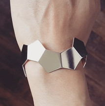 'GEOM' Pentagonal Sterling Silver Cuff DV Jewellery Futuristic jewellery from the netherlands