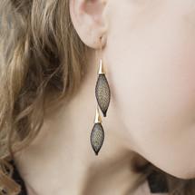 VLUM_Paris_handmade_earings_double_chains_black_gold_nylon_threading_gold_plating