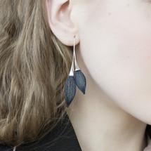 VLUM_Paris_earrings_handmade_dark_blue_silver_statement_double_nylon_threading
