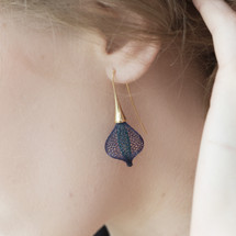 VLUM_Paris_earrings_handmade_blue_purple_gold_plating_nylon_threading