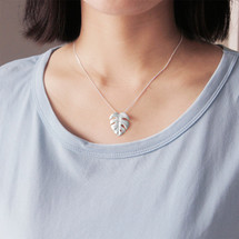 Botanic_garden_collection_sterling_silver_monstera_deliciosa_leaf_necklace_handmade