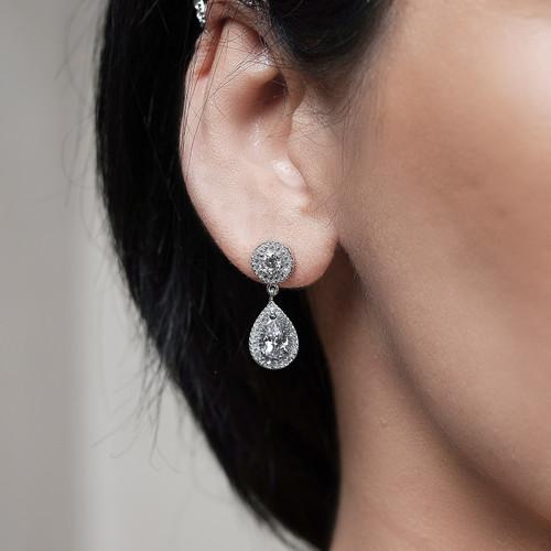 bridal_jewellery_bridal_accessories_earrings_teardrop_clear_circular_bridesmaids_jewellery_wedding_dangle