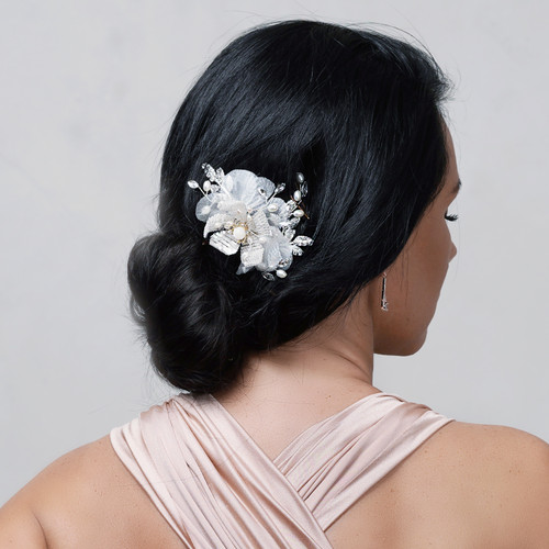 bridal_hair_comb_wedding_accessories_crystals_pearl_sequin_flowers_floral