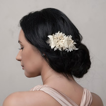bridal_hair_comb_wedding_floral_leafy_crystals_pearl_flowers_classic