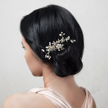 handmade_hair_comb_gold_floral_flowery_Arianna_bridal_hair_accessories_wedding_accessories