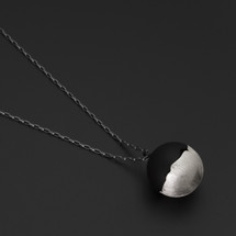 Deco_Echo_handmade_jewellery_from_Poland_sterling_silver_oxidised_silver_ball_necklace