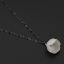 Deco_Echo_handmade_jewellery_from_Poland_necklace_flower_floral_oxidised_sterling_silver_white_paint