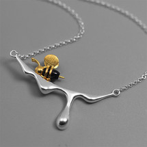 sterling_silver_gold_plating_black_enamel_paint_honey_bee_bumblebee_necklace_nature_inspired_botanic_garden