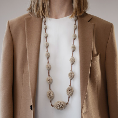 Tzuri_Gueta_handmade_jewellery_necklace_statement_chunky_organic_looking_camel_Sahara_dark_beige_long_Paris_France