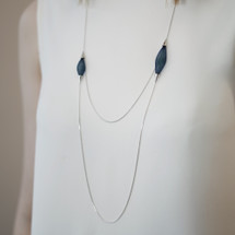 VLUM_handmade_jewellery_necklace_long_sautoir_pampille_dark_blue_light_blue_nylon_threads_double_chain_silver_plating_Paris_France