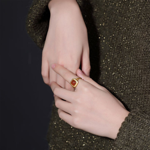Amira_S_handmade_jewellery_ring_sterling_silver_gold_vermeil_red_agate_stone_square_chunky